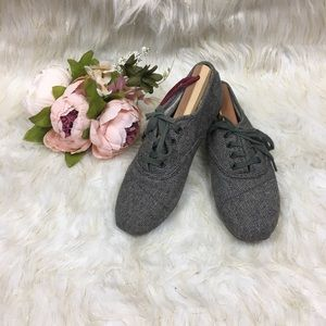 Toms Tweed Laceup Shoes